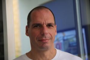 Varoufakis-ensena-economia-en-_54423967131_54028874188_960_639