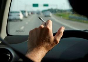 fumare auto