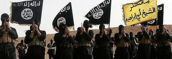 """""""22.000 nomi, 51 paesi di origine diversi: spunta """"la lista degli innominabili"""" consegnata da un pentito jihadista anonimo."""""""