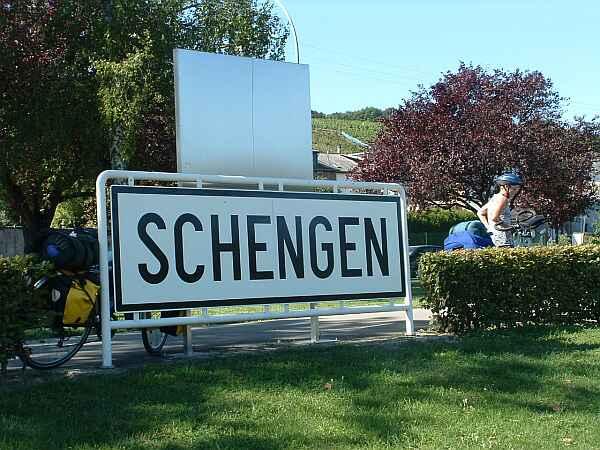 Schengen: scommessa persa? Il trattato, sottoscritto 18 anni fa, potrebbe essere arrivato al capolinea.