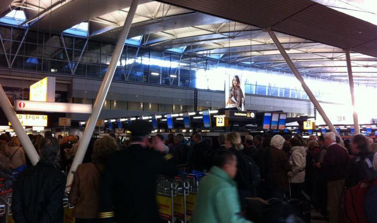 Aeroporto Amsterdam : E allarme terrorismo chiuso l aeroporto di amsterdam un