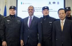 poliziotti cinesi a milano
