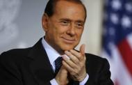 Tumulti nazionali per la formazione del nuovo governo: Berlusconi lancia massi contro i pentastellati