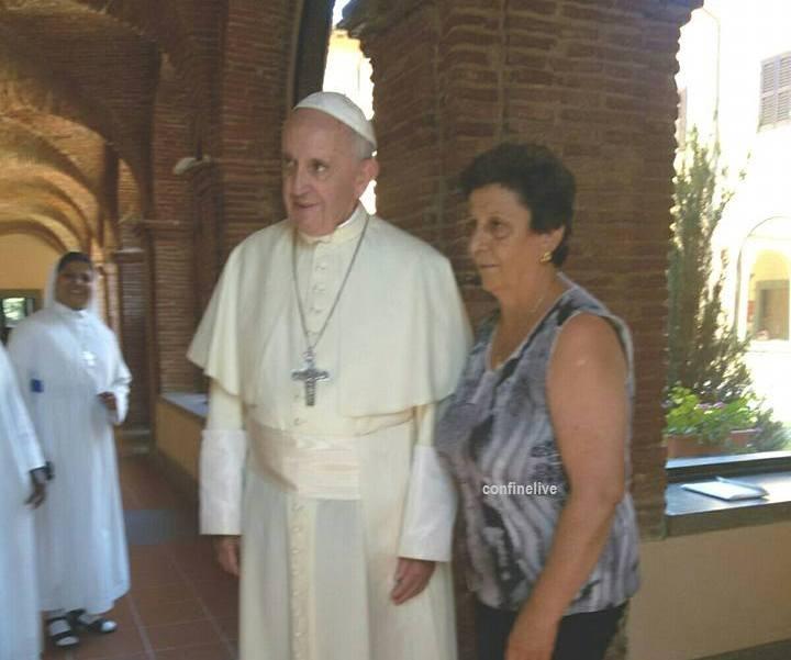 Abruzzo, visita a sorpresa di Papa Francesco