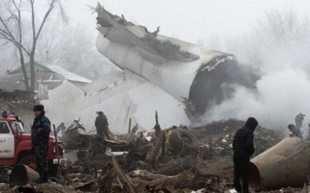 Tragedia in Kirghizistan:  aereo precipita in picchiata  sulle case. 32 i morti e molti feriti