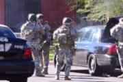 Sparatoria in California; tre morti e studenti feriti