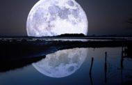 Agosto con eclissi parziale di luna; il culmine è nelle isole Marshall in Oceania