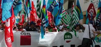 Cisl, un funzionario denuncia l'abuso dei dirigenti sugli stipendi Il Pd: «Ora pubblicate le vostre buste paga»
