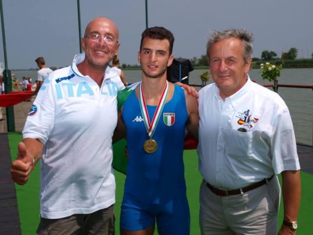 Mondiali canottaggio; oro e argento per Davide Iacuitti applaudito dal Barion