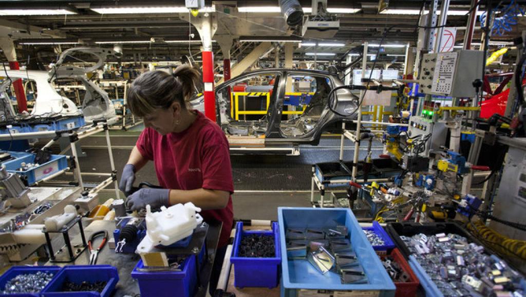 Nuovi segnali di ripresa, sale la produzione industriale