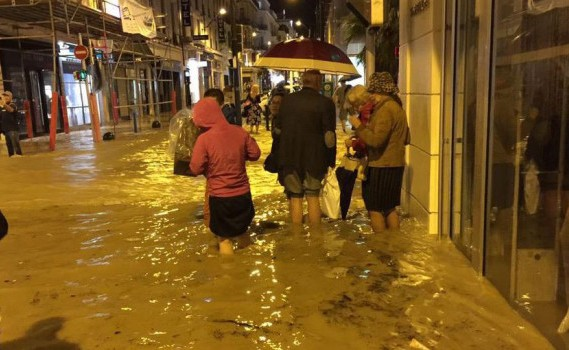 Sud della Francia alluvionato; si contano morti, feriti e dispersi