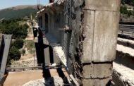 A24, smontati i vecchi piloni in calcestruzzo sul viadotto di Tornimparte. Saranno sostituiti con nuove strutture in acciaio corten